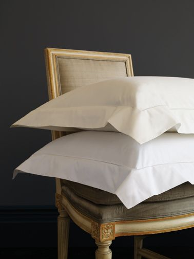 Analisa is our super-clean, spare and modern version of Grande Hotel: the only embellishment is our signature hemstitch.