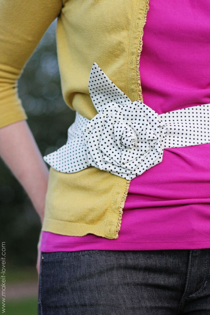 Make this stylishly simple flower belt with a tutorial from Make It & Love It!