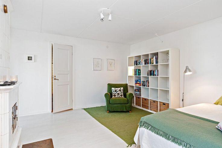 La sala de estar se puede utilizar como un dormitorio adicional cuando los huéspedes son tantos o tan acogedora sala de televisión.  Paulin camino 5a - Bjurfors