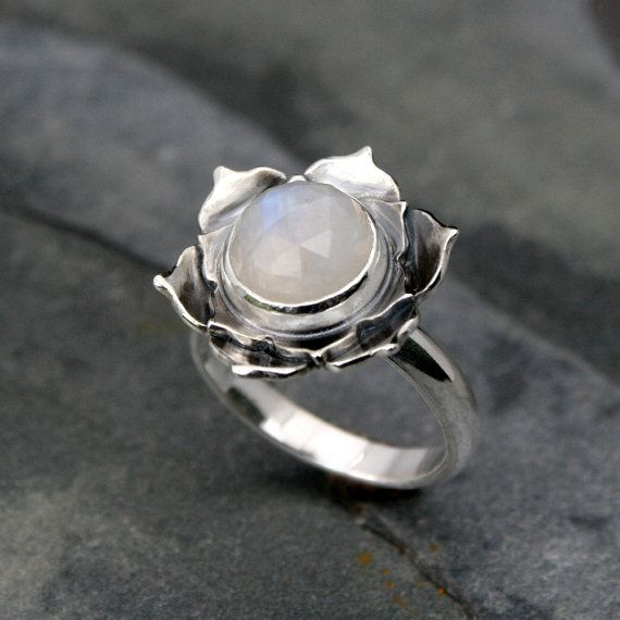 Love this! Moonstone Lotus ring <3