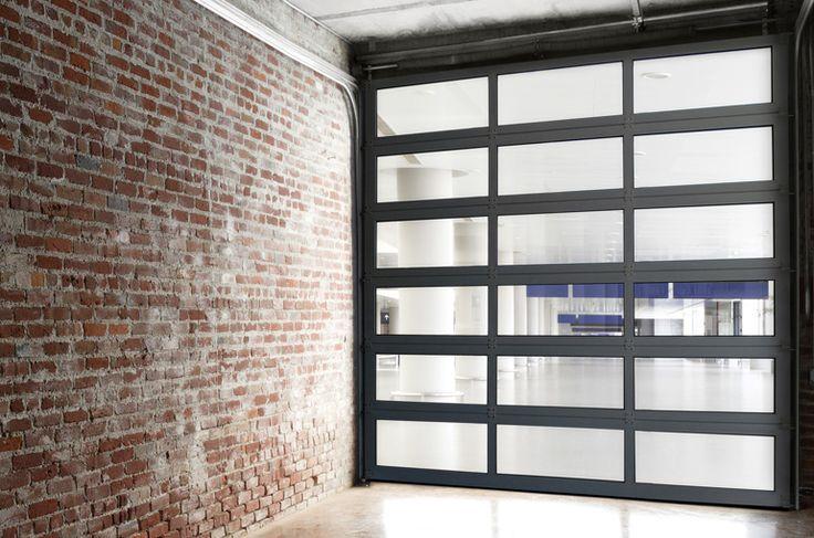 Portone sezionale finestrato residenziale, porta sezionale per garage | Go Italia