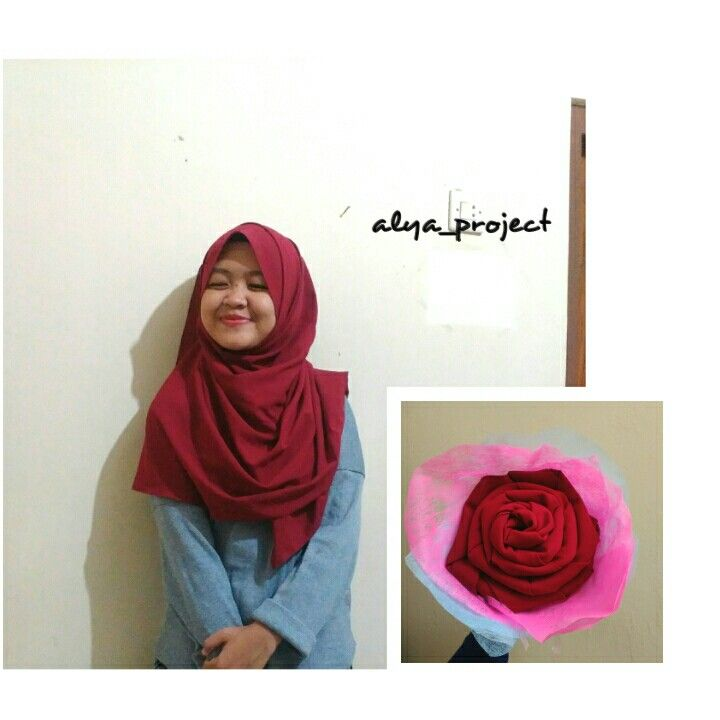 Red rose of scarf