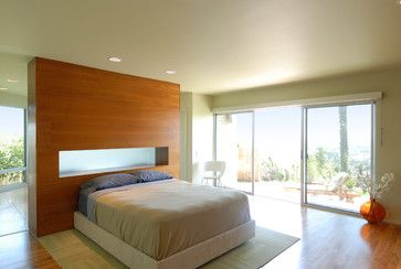 wood bed head wall with frosted glass niche, carpet square area rug