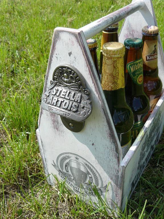 Skrzynka do piwa z otwieraczem  W projekcie wykorzystano otwieracz do butelek STELLA ARTOIS: http://rustykalneuchwyty.pl/otwieracz-do-butelek-stella.html