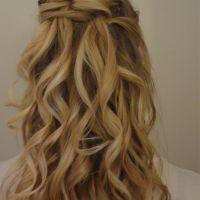 volwassenen-bruid-blond-klassiek-half-opgestoken-diadeem-2