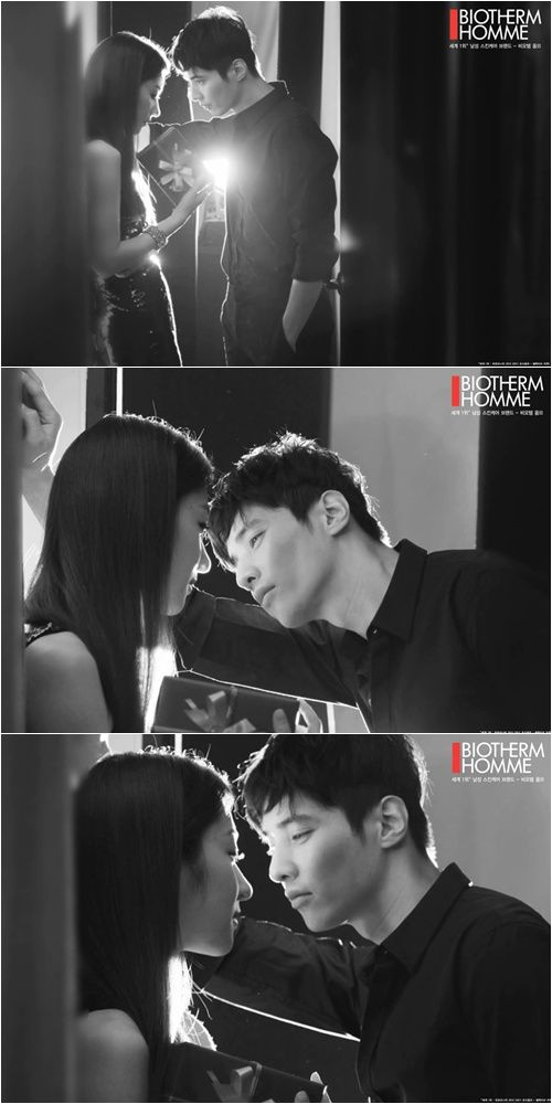 Won Bin kissed a woman against the wall. This romantic video clip is new commercial of BIOTHERM HOMME for Valentine's Day.