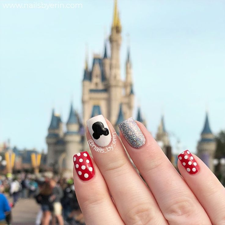 Mickey Mouse & Minnie Mouse Nails | Disney Nails | NailsByErin • • • #disney #nailart #mickeymouse #minnie #disneynails #disneyworld