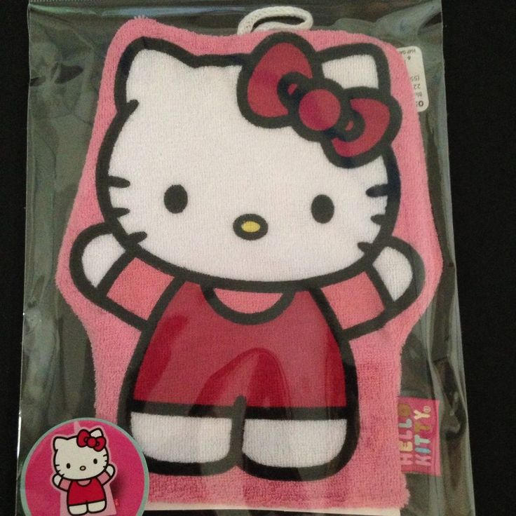 Make bath time fun with this Hello Kitty bath mitt! Perfect for washing your little one, and putting on a water puppet show. #HelloKitty