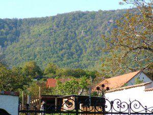 Jakab-hegy a faluból