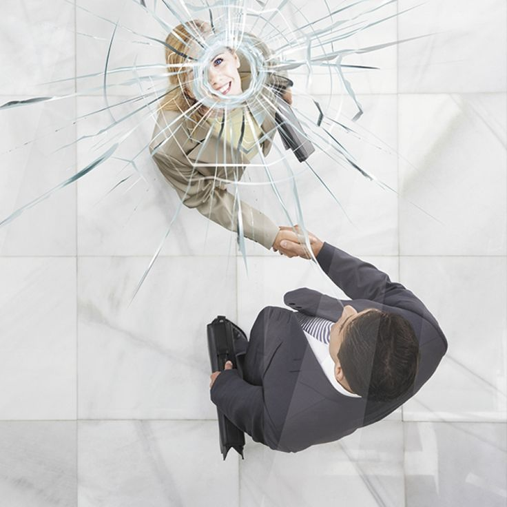 Неужели стеклянный потолок наконец-то стал хрупким?