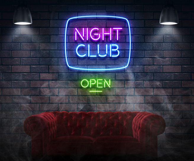 Klimatyczna muzyka. Bogacze popijający drogą Whisky i obserwujący piękne tancerki. Co zdarzyło się w środku? Jakie mroczne tajemnice skrywają subtelnie oświetlone ściany?