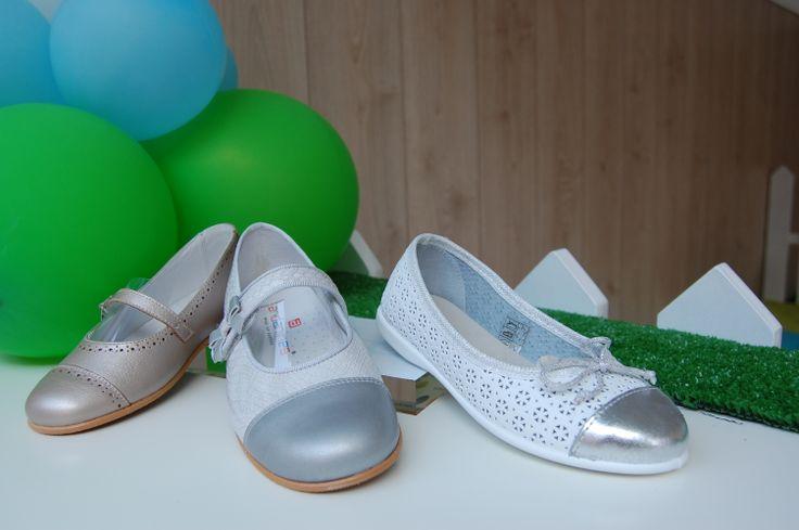 Zapatos niñas https://www.facebook.com/andamiranda