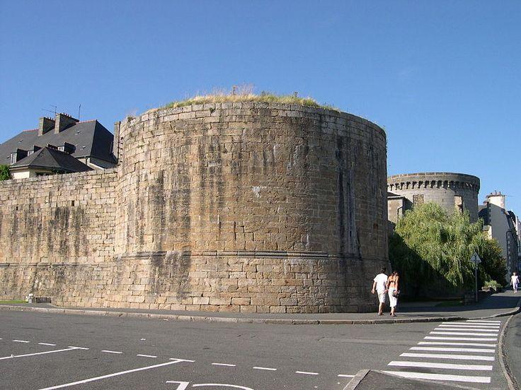 Guingamp (Côtes d'Armor) - Château - Pierre II - vestiges