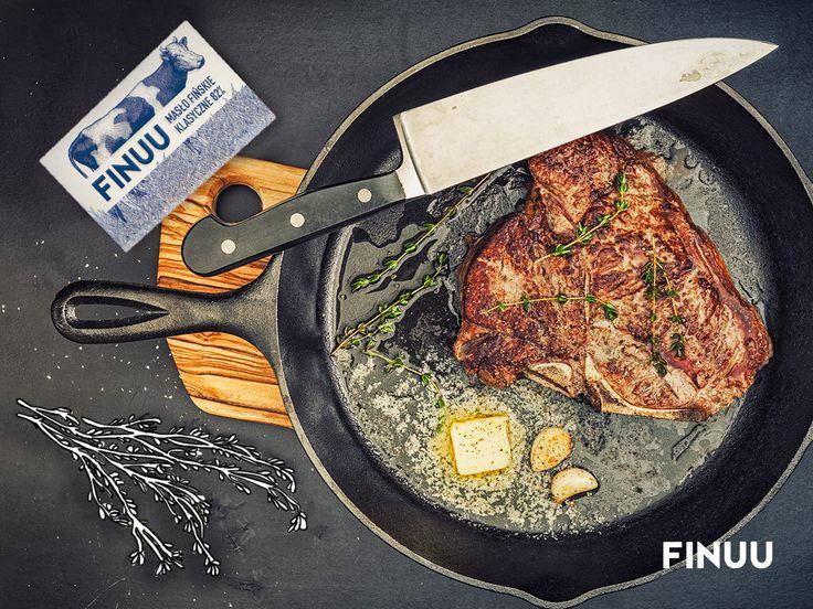 Żeby stek nie był zbyt suchy, dodaj do niego kilka plasterków klasycznego masła FINUU. #inspiracjeFINUU #FINUU #stek #kulinaria #przepisy #tips