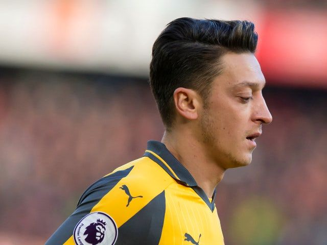 Mesut Ozil Hairstyle Arsenal Star Mesut Ozil Keen Ppniewh Hair Styles Real Madrid Football Club Arsenal Real Madrid Football