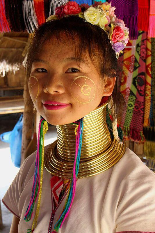 Donna del popolo karen, sud est Asia