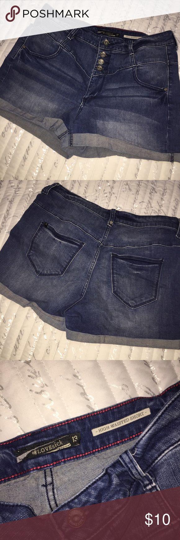 🎉HIGH WASTED JEAN SHORTS🎉 High wasted jean shorts Dark jean Tough fabric Shorts Jean Shorts