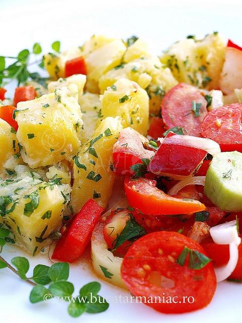 Salata de cartofi si cruditati