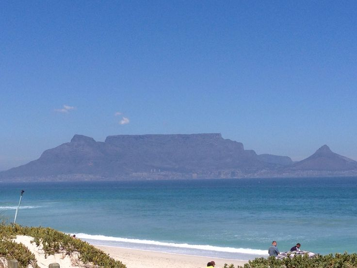 A breath taking view of Table Mountain from bloubergstrand !