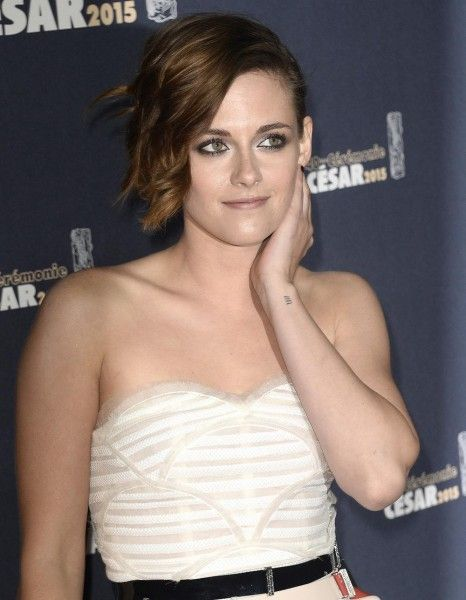 2015, grand retour de Kristen Stewart ? http://www.elle.fr/Loisirs/Cinema/News/Kristen-Stewart-est-elle-la-nouvelle-muse-de-Woody-Allen-2926250