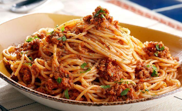 Espagueti a la boloñesa o Spaghetti a la bolognesa, como sea es una delicia, es una de mis pastas favoritas y en esta receta te muestro como se prepara, ha