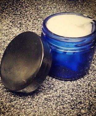 DIY Homemade Deodorant  Baking soda, coconut oil