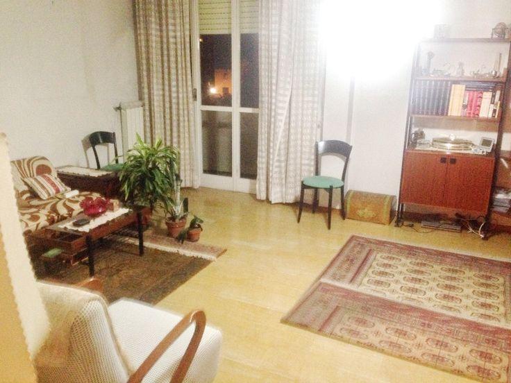Appartamento Quadrilocale in Vendita Livorno GOITO  - ZONA GOITO, in bel condominio, termoascensore, appartamento in buone condizioni (lavori da fare), ingresso, sala con balcone, due camere matrimoniali, cucina abitabile, bagno, ripostiglio + posto auto [..]