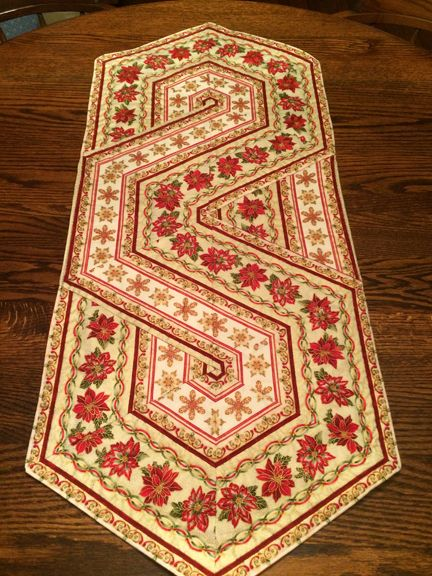 Best quilts table toppers runners images on pinterest