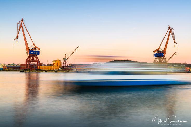 28 November 2016. Stenpiren Göteborg Sweden. #mikaelsvenssonphotography #göteborg #thisisgbg #gothenburg #sweden #bestofsweden #enjoysweden #ig_week_sweden #igersgothenburg #ig_week_scandinavia #visitgothenburg #visitsweden #mittgöteborg #goteborgcom #swedenimages #bestofscandinavia #igersgbg #ig_sweden #ig_masterpiece #ig_mood #igers_gothenburg #unlimitedscandinavia #loves_sweden #gbgftw #nikonsverige #water_captures #water_shots