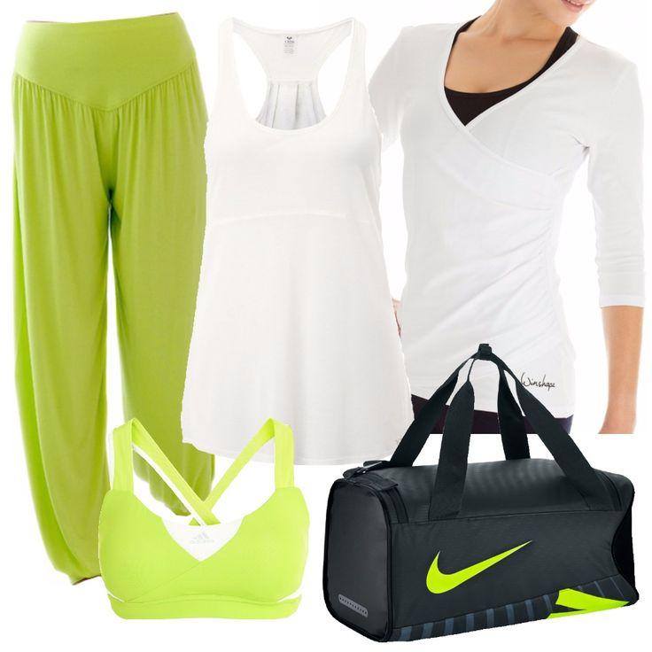 Un look allegro e luminoso, per le nostre rilassanti sedute di yoga. Pantalone morbido di maglina verde chiaro, verde come il top Adidas da indossare sotto un'ampia canottiera bianca. Sopra, per non prendere freddo durante il rilassamento, una maglia bianca in cotone, con incrocio sulla pancia. Il borsone, per portarci dietro il cambio e andare dritti in palestra senza passare da casa, è firmato Nike. L'outfit è pensato per le sessioni di yoga, da fare senza scarpe.