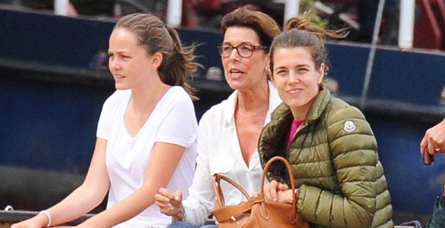 Pauline Ducruet, Caroline di Monaco e Charlotte Casiraghi arrivano sul Lago Maggiore per il matrimonio di Pierre Casiraghi e Beatrice Borromeo: guarda tutte le foto