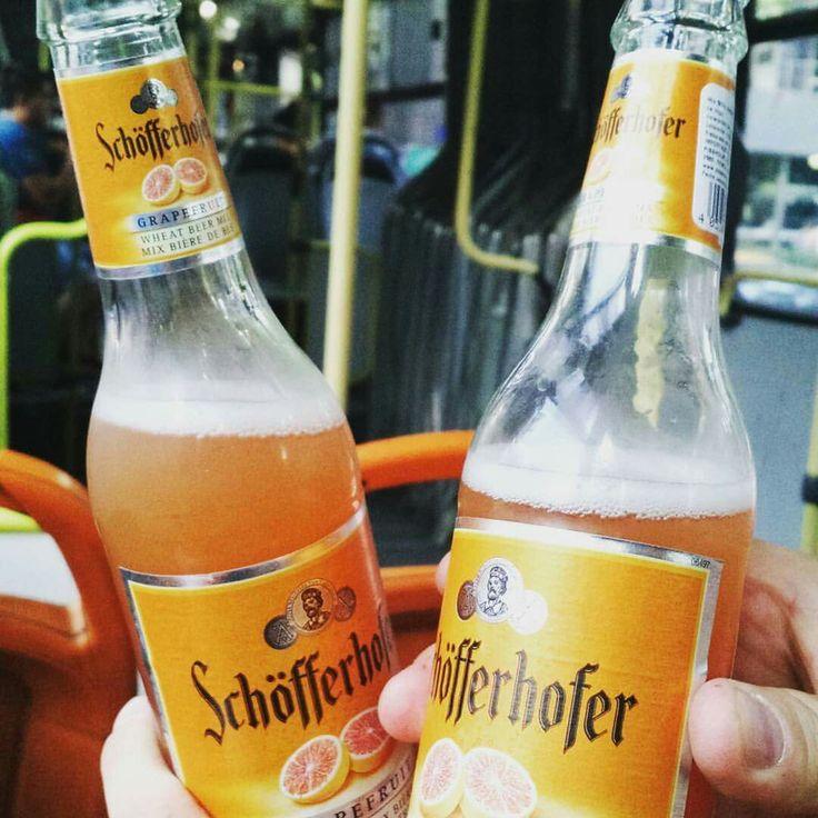 Cerveza sin alcohol con sabor a pomelo.