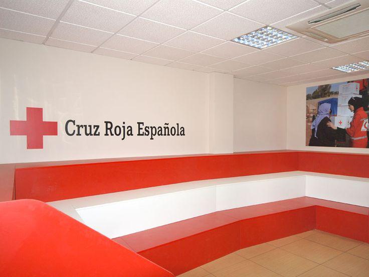 Sillón gigante bicolor para Cruz Roja Leganés