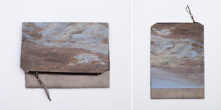 KRAFLA fold-over clutch