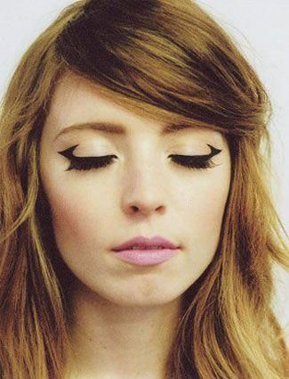 Unique take on the cat eye #beauty