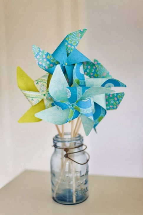 Pinwheel Centerpieces; alternatives to flowers || Backyard Bride NJ