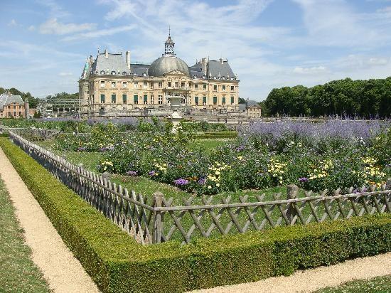 25 beste idee n over kasteel decoraties op pinterest kasteel partij middeleeuwse decoraties - Nicolas kleine architect ...