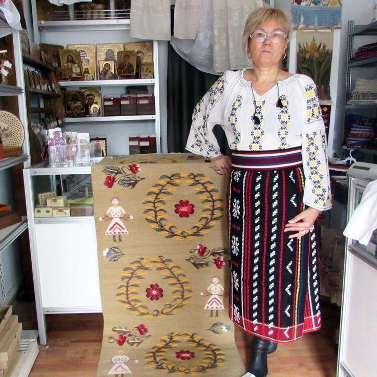 Costum popular romanesc.