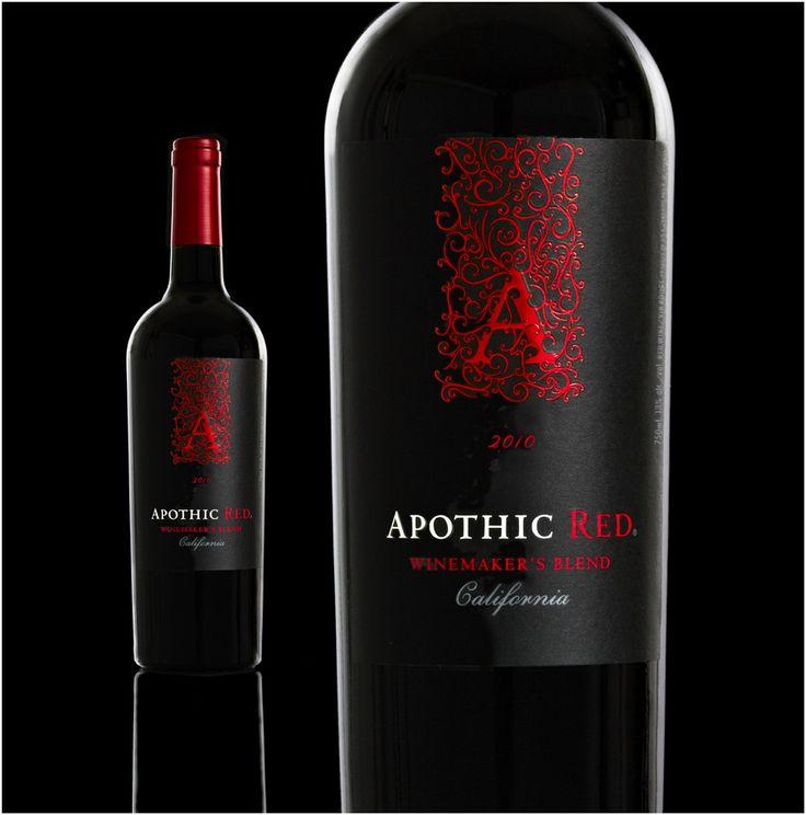 APOTHIC RED - Un vin rouge simple mais efficace, sucré et fruité à la robe rouge sombre aux arômes dominants de confiture de framboises, de vanille et de moka. Vin plutôt demi-sec et faible en acidité avec une texture grasse en bouche. La température de service se situe entre 14°C & 16°C / Degré d'alcool 13,0 %