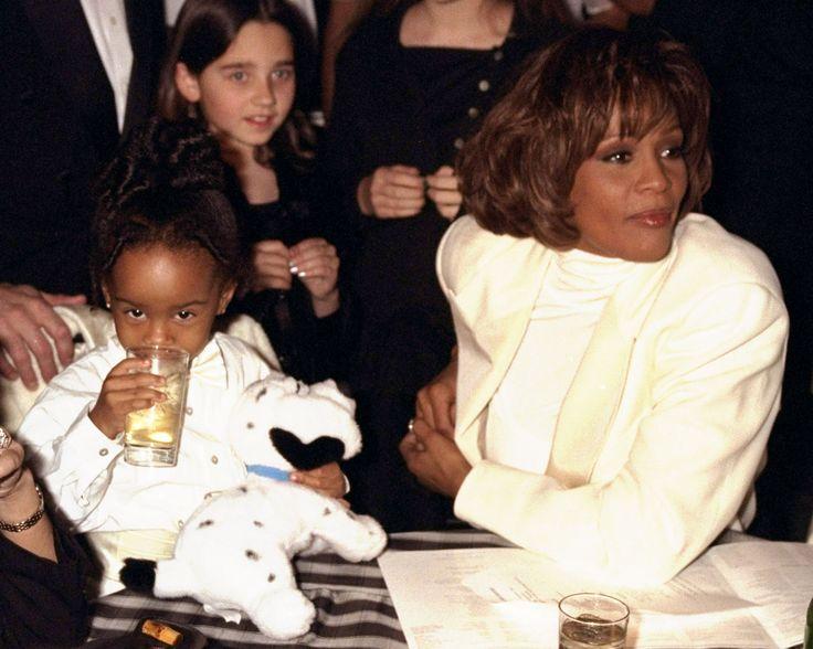 images of whitney and bobbi kristina | Bobbi Kristina Brown and Whitney Houston Over the Years (PHOTOS ...