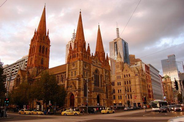 Nhà thờ Thánh Paul cổ kính và xinh đẹp