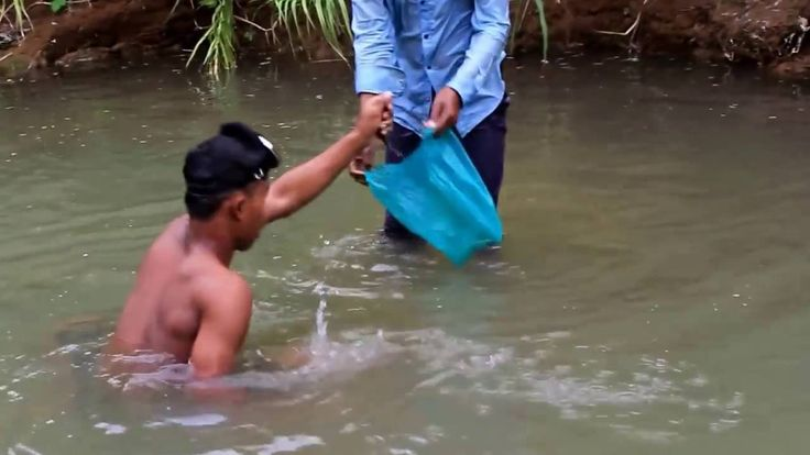 Cambodia Net Fishing at Pursat Province  and Traditional Net Fishing Par...