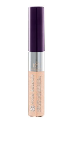 Our Ultra Long-Lasting Cream Eyeshadow - Waterproof in Nude. Notre Ombre crème ultra-longue tenue waterproof - Nude.