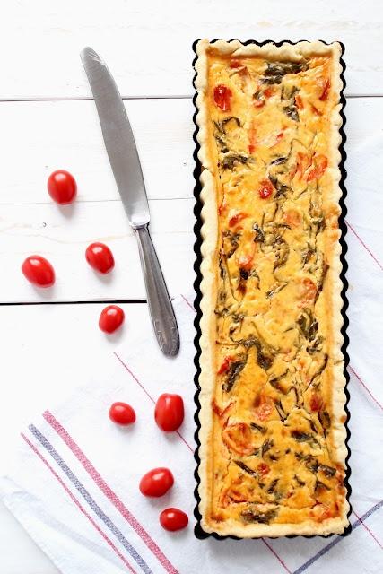 Ricette in teglia:  Quiche ai pomodorini e spinaci  Quiche with spinach and tomatoes