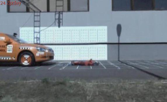 Auto na Blanensku srazilo malé dítě: Vrtulník ho transportoval do nemocnice