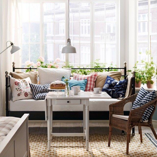 17 besten tagesbett schlafen und wohnen in einem raum bilder auf pinterest schlafzimmer. Black Bedroom Furniture Sets. Home Design Ideas