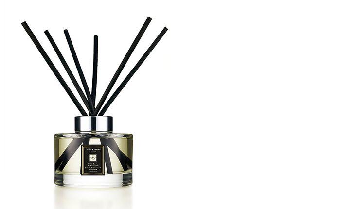 <P align=left>ジョー マローンのシグネチャ フレグランス。ピリッと刺激的なバジルと豊潤な香りのホワイトタイムで、カリブ海の風に乗って漂うライムの香りに思いも寄らないひねりを加えています。モダンでクラシック。シンプルでスタイリッシュなデザインのディフューザーは、どのような空間でもお使いいただけ、包み込むような香りを長時間お楽しみいただけます。</P>