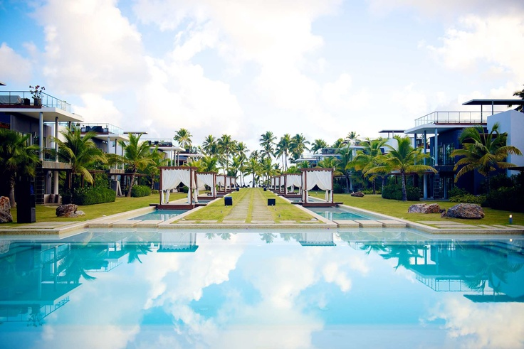 Sublime hotel the definition of modern luxury in samana for Designhotel definition