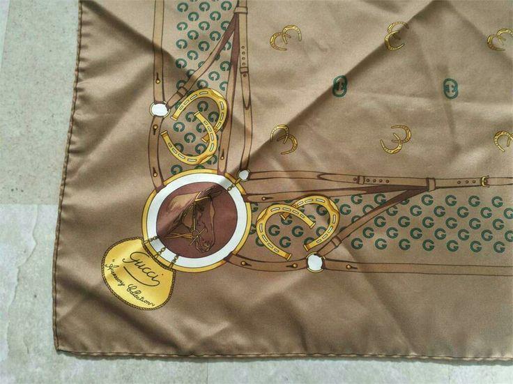 Gucci vintage scarves i silke på Tradera. Silke / Siden | Scarfs / Mors dag-present?