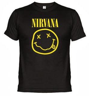 Camiseta Nirvana. Camiseta de calidad superior. 100 algodón peinado. Cuello 4 capas, costuras reforzadas en cuello y hombros. Costuras laterales.